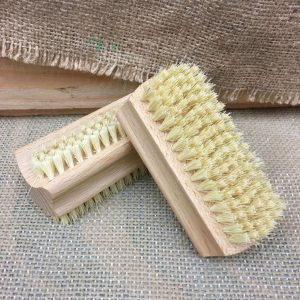 Pack-It-In-Zero-Waste-Living-Nailbrushes